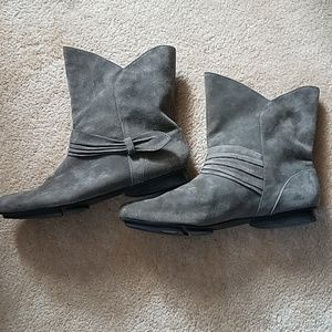 Me Too Gray suede ANKLE booties